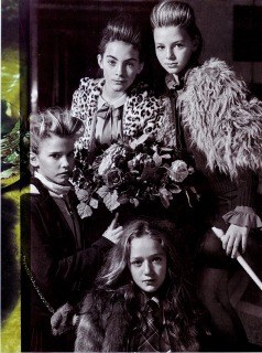 VOGUE BAMBINI Novembre  Photo : Michel Comte Stylist : Enrica Ponzellini Hair : Pier Giuseppe Moroni assistito da Yasantha Chanaka Make up : Giulia Cigarini
